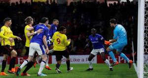 Son dakikada golü kaçıran Cenk yıkıldı