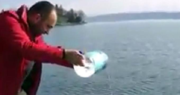"""""""Ya tutarsa"""" deyip Sapanca Gölü'ne zemzem çaldı!"""