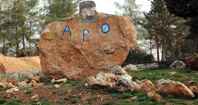 YPG'nin yaptığı Öcalan heykeli alay konusu oldu!