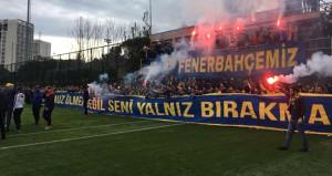 Fenerbahçe taraftarı Samandıraya çıkarma yaptı