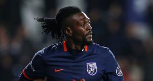 Emmanuel Adebayor, Beşiktaşı geride bıraktı