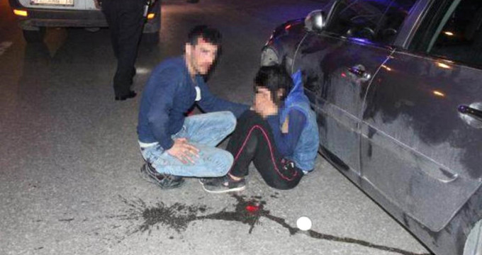 Karı-koca sokak ortasında alacaklıları tarafından dövüldü