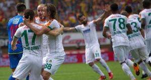 Alanyasporlu futbolcular, Göztepe maçı sonrası kaza geçirdi