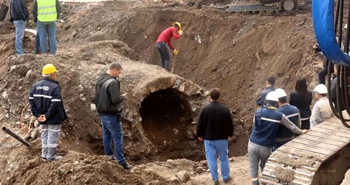 Alt geçit çalışmasında 400 yıllık taş köprü ortaya çıktı