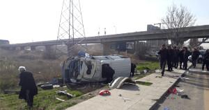 Ankara-İstanbul yolunda kamyon ile minibüs çarpıştı:3'ü ağır 17 yaralı