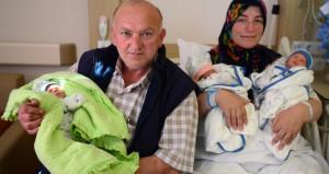 23 yıl sonra üçüzleri kucaklarına aldılar! Recep, Tayyip, Erdoğan