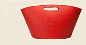 Guccinin leğene benzeyen yeni çantasının fiyatı şoke ediyor!