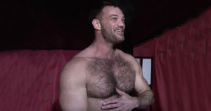 Öğretmenin cinsel içerikli film yıldızı olduğunu öğrencileri fark etti