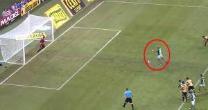 Felipe Melo madara oldu! Yok böyle bir penaltı