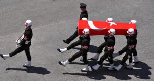 Harekatın ilk günlerinde şehit düşen 2 askerimizin naaşlarına ulaşıldı