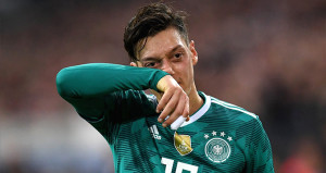 Löwden ilginç Mesut kararı! Kadroya almadı