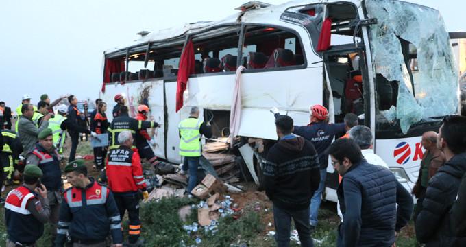 Şoför kalp krizi geçirdi, otobüs şarampole uçtu: 4 ölü, 34 yaralı