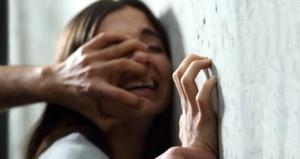 2 sapık, kızın üzerine şampuan döküp istismar ettikleri anı kaydetmiş