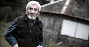 Dünyanın en yaşlı insanı talihsiz şekilde yaşama veda etti