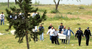 İnşaat işçisi ağaca asılı bulundu, cebinde çıkan not yürek yaktı