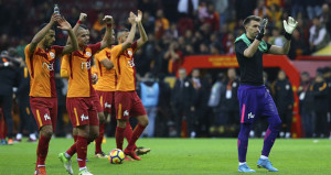 UEFA, Galatasaray için kararını erteledi