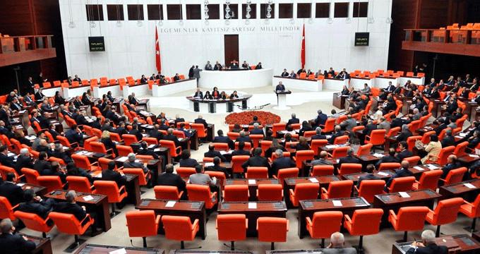 15 CHP'li İYİ Parti'ye geçti! Meclis'te 16 yıl sonra bir ilk yaşandı