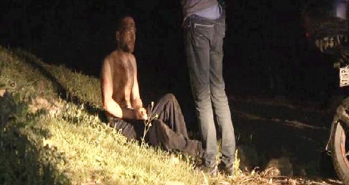 Ormanda, 2 kişi alevlerin arasında uyurken bulundu