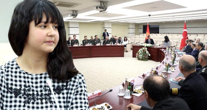 Bakan koltuğundaki şehit kızının ilk icraatı: Kadın subayları artırmak