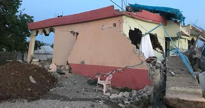 Depremin izi gün ağarınca ortaya çıktı, okullar tatil edildi!