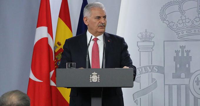 """Başbakan'dan """"Seçimler ertelensin"""" diyen AKPM'ye: İşinize bakın!"""