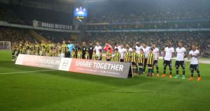 Beşiktaş taraftarından yönetime mesaj: Sahaya çıkma taraftar arkanda!