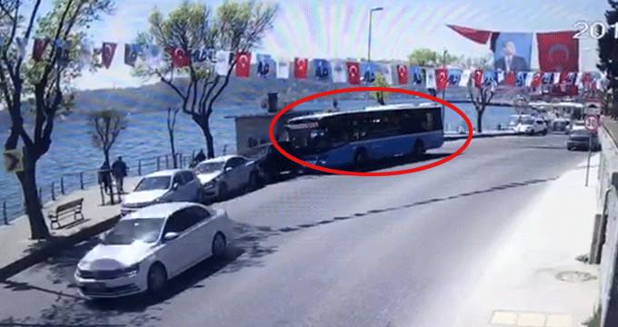 Kontrolden çıkan halk otobüsü park halindeki araçları biçti
