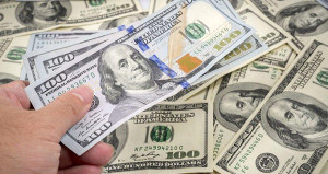 Merkezin faiz kararı sonrası dolar, önce çakıldı sonra yükseldi