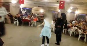 İlkokul öğrencilerine alkollü mekanda dansöz ve zenne izletildi