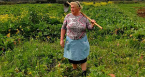 Trumpın çiftçi kız kardeşi sosyal medyayı salladı!