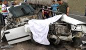 3 kadının feci sonu! TIR'a arkadan çarpan otomobil paramparça oldu