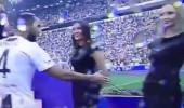 Mankenin elini sıkmak isteyen ünlü futbolcu rezil oldu