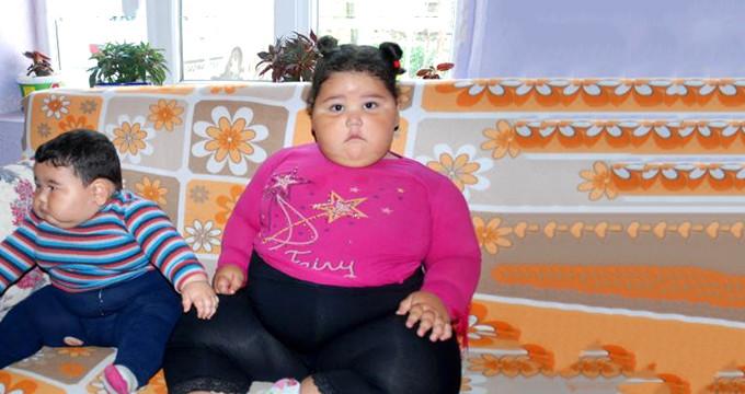 Teşhis konulamayan hastalık yüzünden biri 25, diğeri 55 kiloya ulaştı!