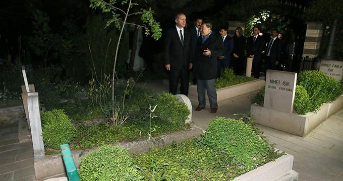 Erdoğan'dan Arvasi Hazretleri'ne ziyaret! Kur'an okuyup, dua etti