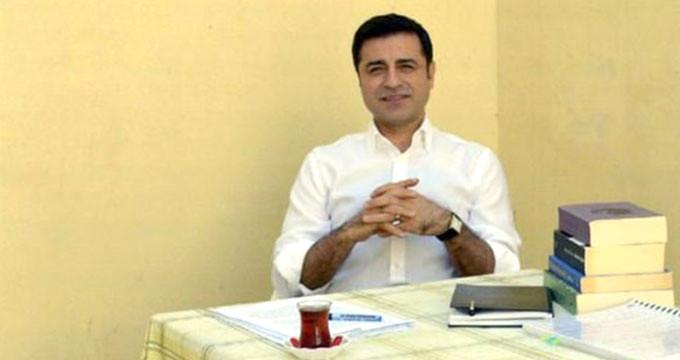 HDP'nin Cumhurbaşkanı adayı Demirtaş, haber kanallarına isyan etti!