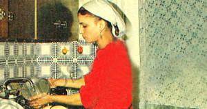 Bulaşık yıkayan bu genç kız şimdi çok ünlü!