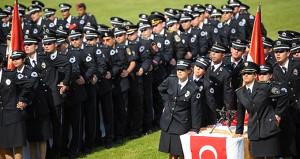 Polis olmak isteyenler dikkat! Akademiye 25 bin 500 personel alınacak