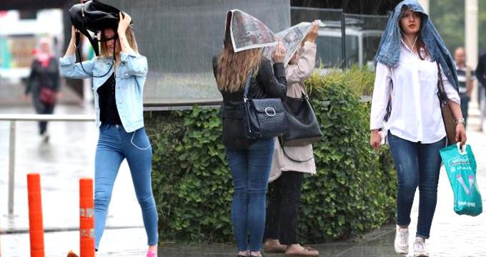 Yeni uyarı geldi! Yağmura hazırlıksız yakalanan İstanbullular dikkat