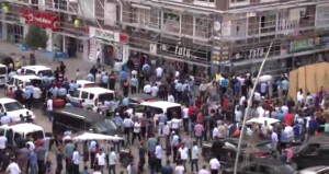 Aşiretler çatıştı, ortalık savaş alanına döndü: 2si polis 17 yaralı