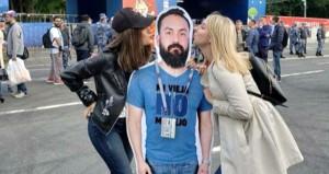 Hanımından Dünya Kupası izni alamayan arkadaşını Rus kızlarına öptürdü