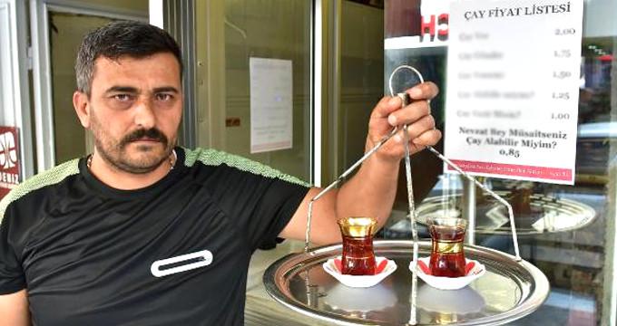 Manisalı çaycının fiyat tarifesini gören şaka sanıyor