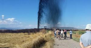 Kahramanmaraşta binlerce litre petrol metrelerce yükseğe fışkırdı!