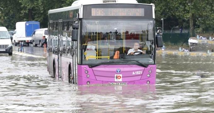 Meteoroloji, İstanbulluları sele karşı uyarıp müjde verdi!