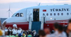 Cumhurbaşkanı Erdoğanın uçağı, 3. Havalimanına iniş yaptı