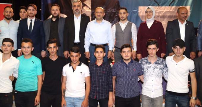 İYİ Parti'ye son dakika golü! 80 genç istifa edip AK Parti'ye geçti
