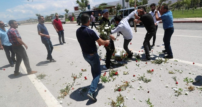 Kılıçdaroğlu, şehit cenazesine çelenk gönderince ortalık karıştı