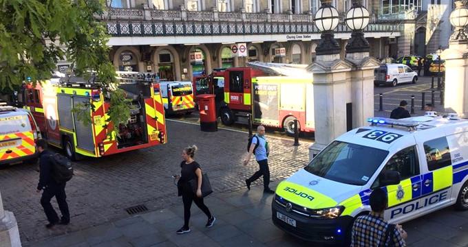 """""""Üzerimde bomba var"""" dedi, Londra'yı birbirine kattı!"""
