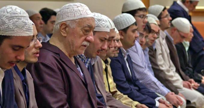 15 Temmuz'da Gülen'e gönderilen mesajlara ulaşıldı: Namazı bozun!