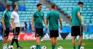 Almanya Milli Takımında tarihi Mesut Özil kararı!
