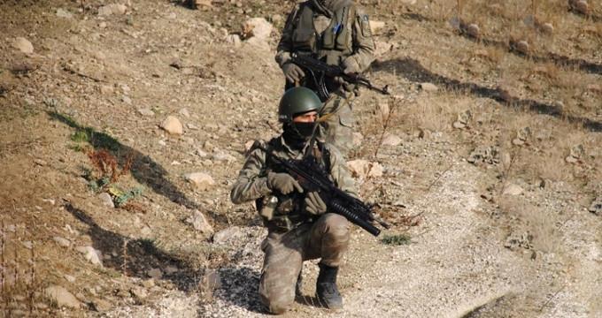 Eylem için şehre inen PKK'lılarla sıcak çatışma! 3 polis yaralandı
